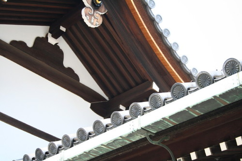 菊の御門。